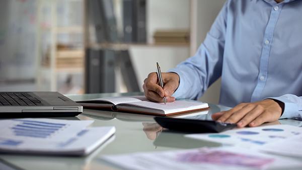 Comment s'effectue le calcul de l'impôt sur le revenus des entreprises?