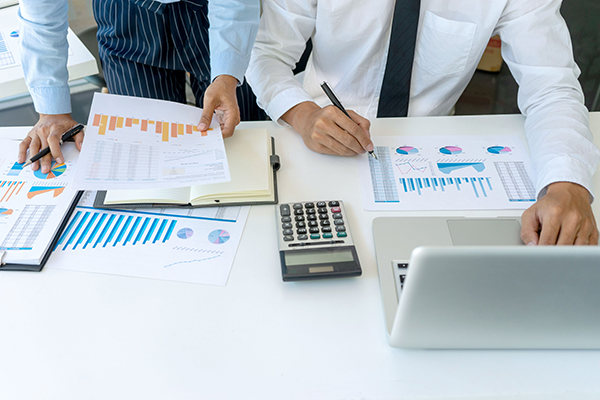 Impôts spéciaux et crédits d'impôt applicables aux entreprises