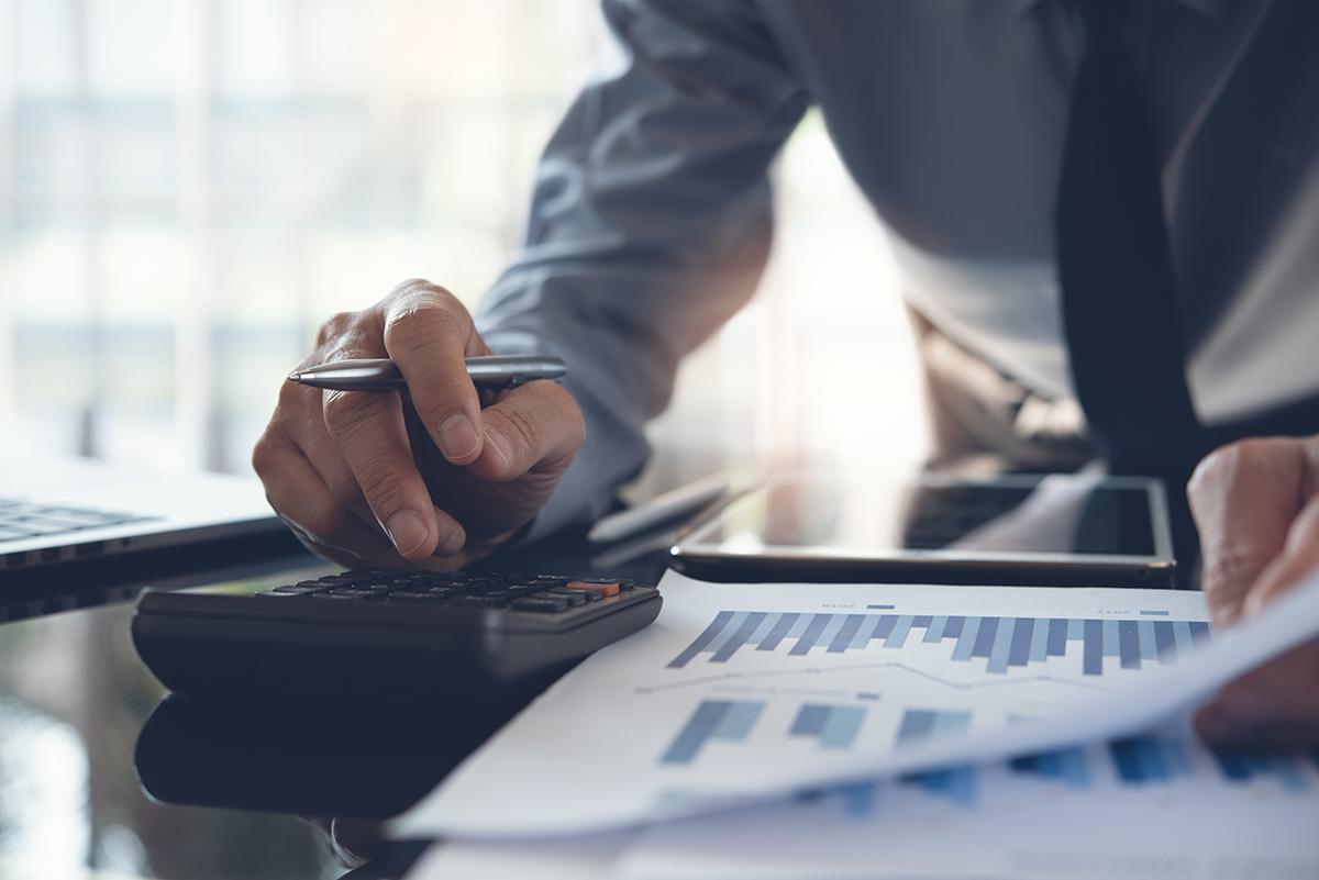 Comment réduire les impôts d'une entreprise avec un service comptable?